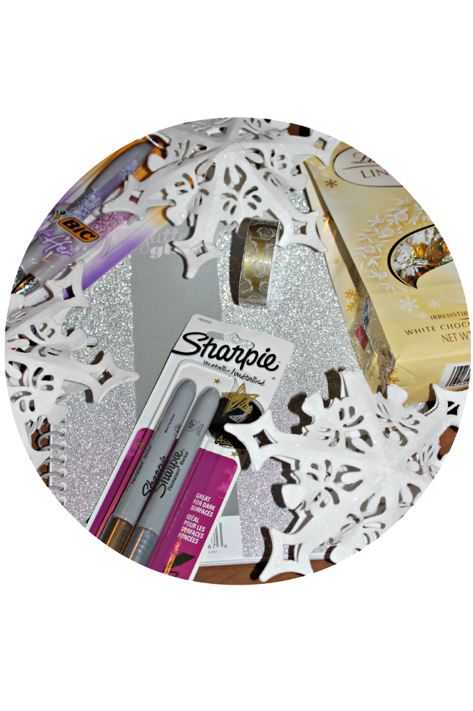 1st Year Blogiversary Giveaway!